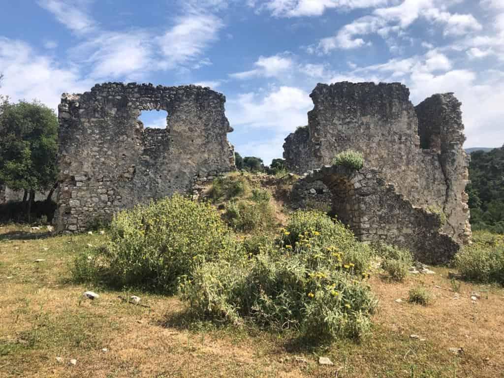 Tragjasi i Vlorës, mes historisë dhe harresës