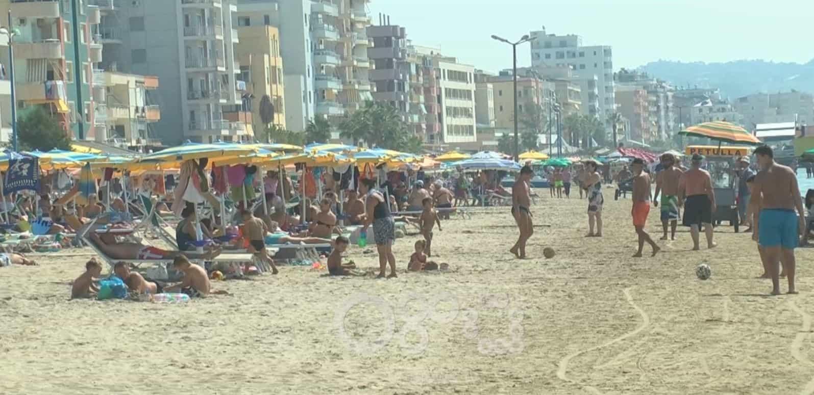 Taksa e qytetit në faturën e hotelit, surprizon turistët në plazhin e Durrësit