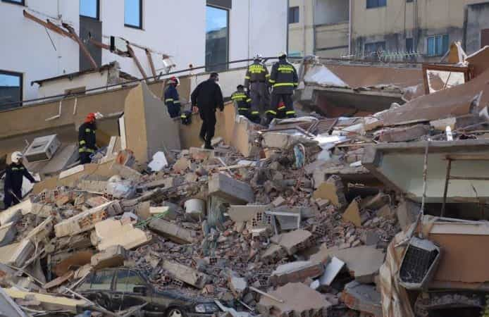 Durrësi harron tërmetin dhe pandeminë, rikthehet turizmi